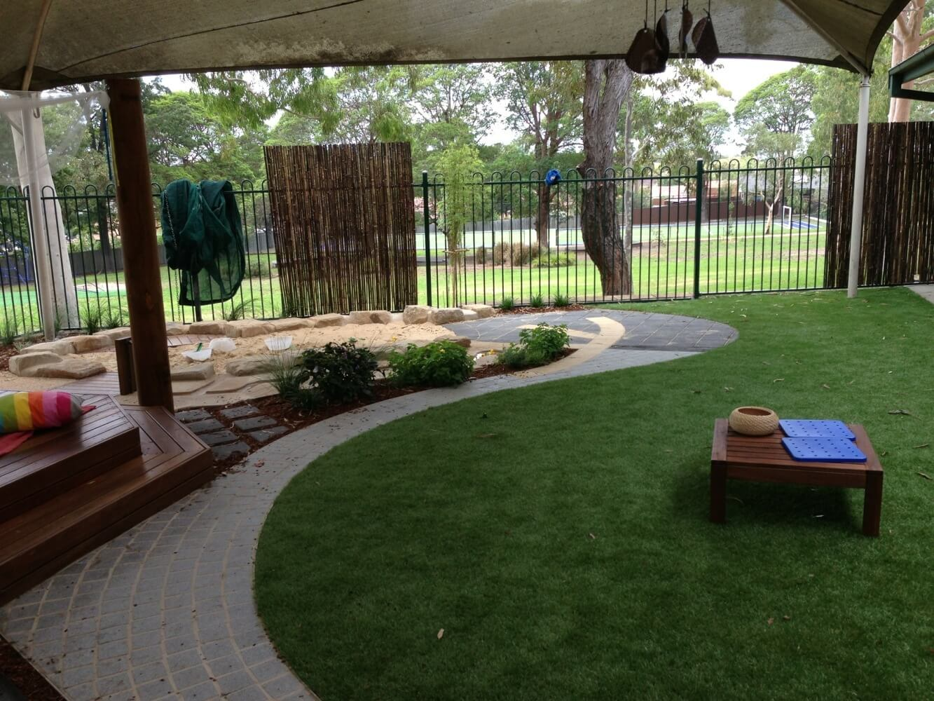 landscapers - custom landscaping